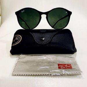 Ray-Ban RB4371   601/71 NEW with full kit